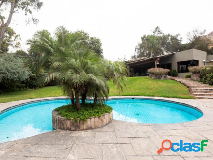 Casa en Venta en Santiago de Surco 4 dormitorios Exclusiva zona Los Granados 3