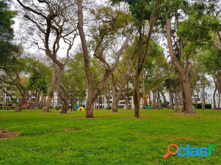 Departamento en Venta en San Isidro Estreno Flat 3 Dormitorios Lujoso Fondo a Parque 0