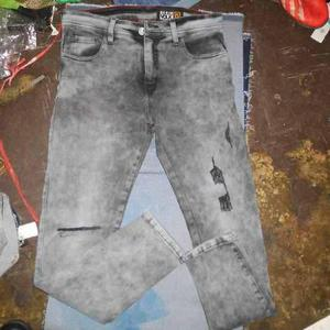 Pantalon jeans strech,pitillo,negro,razgado y roto,caballero