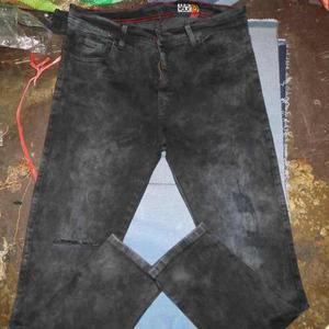 Pantalon jeans strech,pitillo,oscur,razgado y roto,caballero