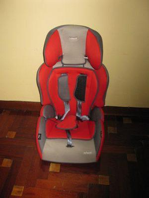 Asiento de bebe para auto marca infanti casi nuevo, colorojo