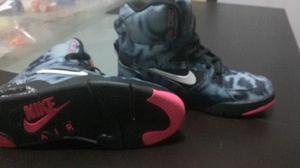 1f51bfa026556 Zapatillas  botines nike basquet deportivas tll41 700soles