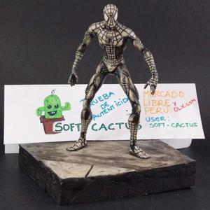 Spiderman Versión Mcfarlane Escultura De Colección