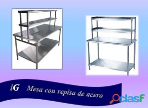 Mesa con repisa de acero inoxidable