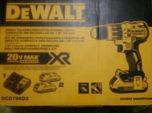 Taladrro/atornillador delwat 20v max