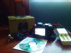 Camara fujifilm finepix s4200 +cargador+pilas recargables