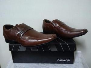 Zapato calimod original nuevo en caja talla 42 color nutria