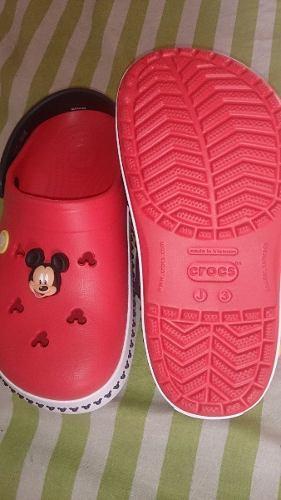c9a244c688 Zapatos crocs mickey mouse originales-talla 34/35- unisex