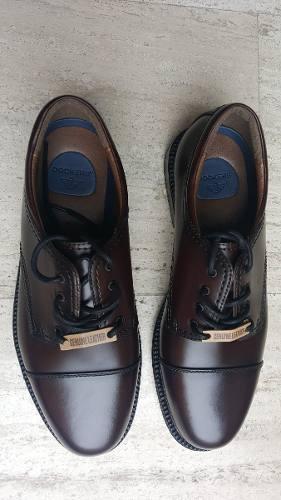 Zapatos dockers de cuero color marrón oscuro talla 10.5