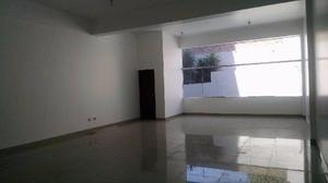 Ahs inmobiliaria alquila oficina de 77 m2 frente a clínica