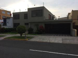 Vendo casa como terreno 545 m2 en calle ricardo angulo san