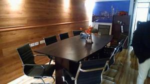 Mesa de oficina.,con juego de sillas.