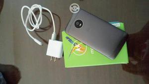 Motorola g5 libre,2 ram,32gb memory.