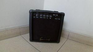 Amplificador para guitarra, bajo y teclado.