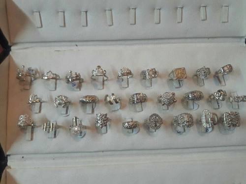 9125e6df5b0f Dijes  anillos  aretes y otros de plata 950 con oro 18 kl en Lima ...