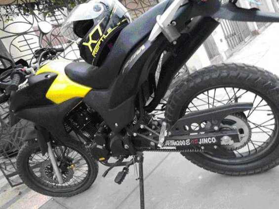 Super ocasión moto 200cc rtm excelente estado, solo 1500