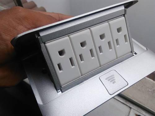 Caja de conectividad para mesa de reuniones