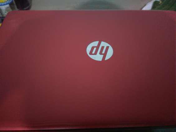 Laptop hp color rojo negociable en Lima