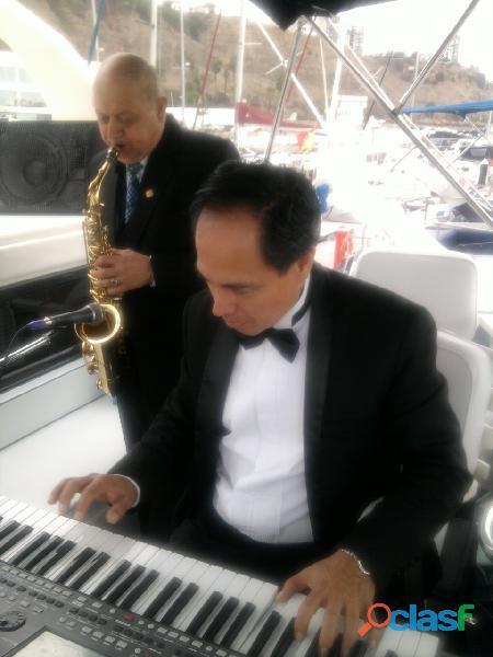 Saxoofonista y pianista para cumpleaños eventos bodas en lima