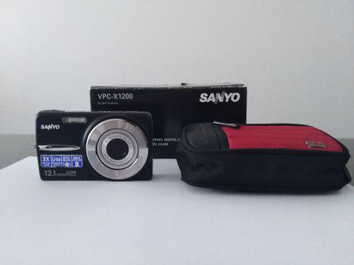 Como nueva!! cámara digital sanyo vpc-x1200