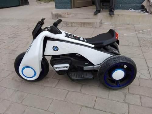 Moto lineal a bateria modelo bmw
