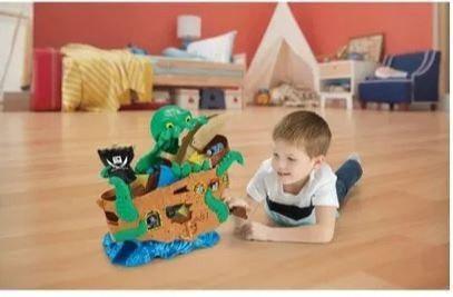 Thomas tren ataque al barco pirata de aventuras de