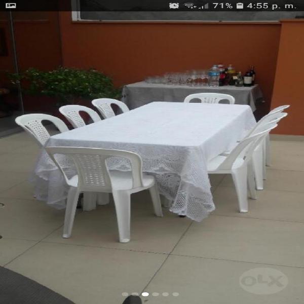 Mesa plegable con mantel