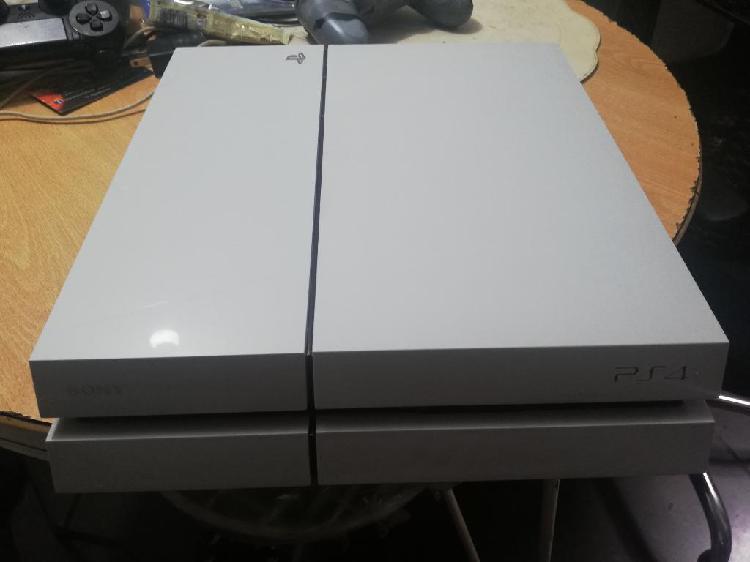 Playstation 4 500gb blanco 2 juegis
