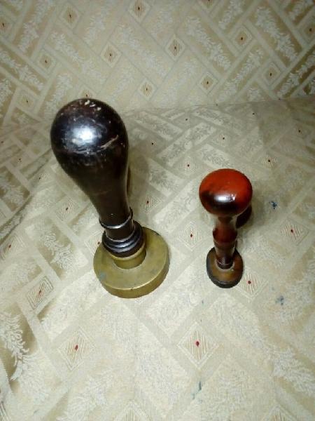 Sello/tampón antiguo en bronce