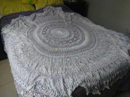 Mantel para mesa redonda de 6 sillas tejido a mano