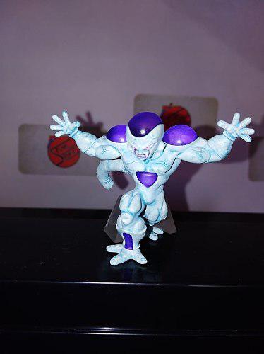 Dragon ball figura gashapon original bandai freezer bulma
