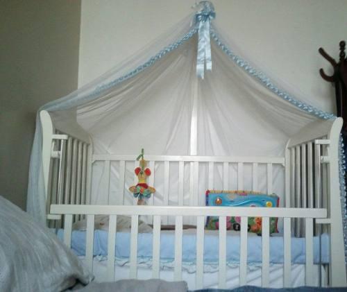 Cama cuna para bebé + colchón + parante