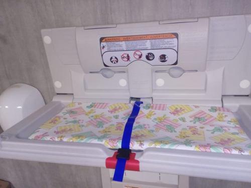 Pañalera cambiador para niños marca world dryer horizontal