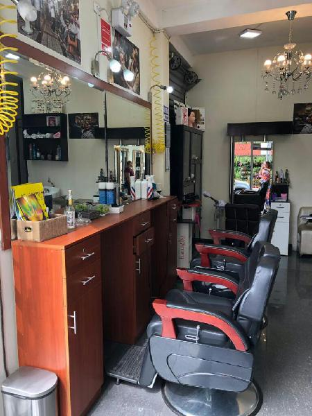 Traspaso salon barberia