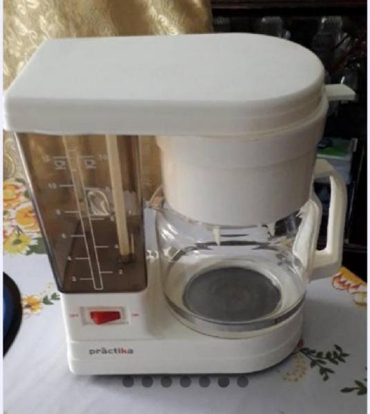 Cafetera electrica praktica