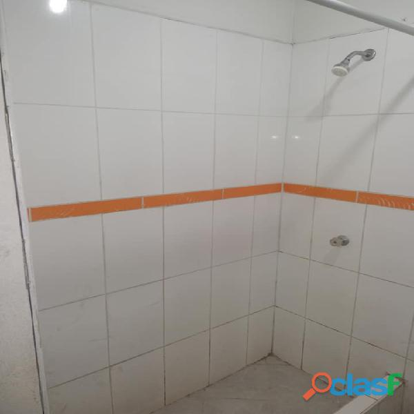 Se alquila economica habitacion c/baño propio   s/.300 smp inc servicios