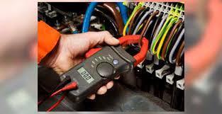 Técnicos electricistas a su servicio a