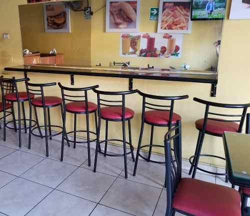 Sillas, mesas, barra, espejo, para cafe-sangucheria