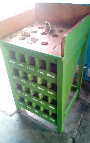 Sapito o sapo color verde con monedas juego entretenimiento