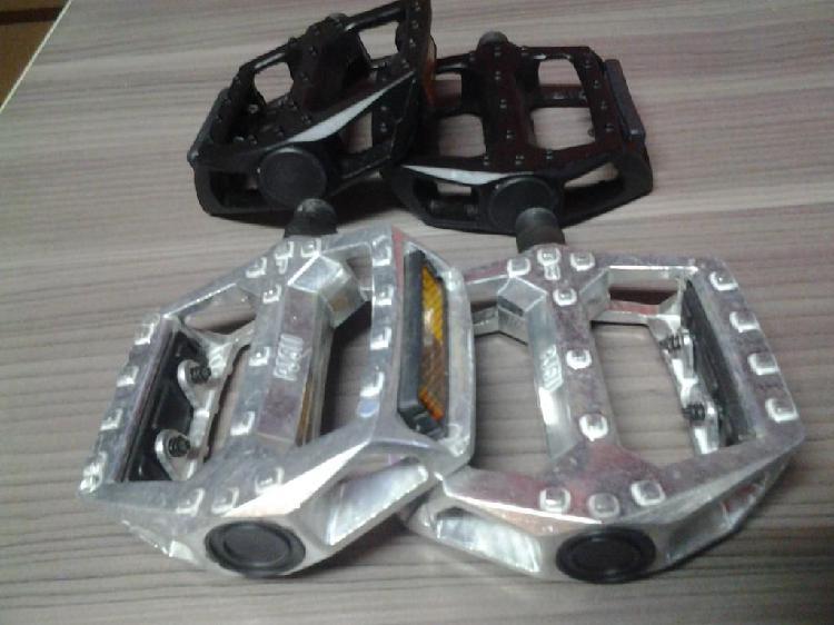 Pedal de aluminio planta ancha bicicleta