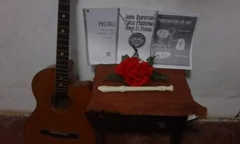 Alumna de universidad nacional de música dicta clases