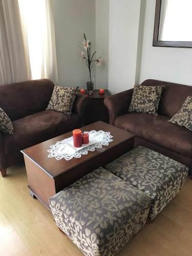 Muebles sala- incluye 2 mesas una central y otra lateral