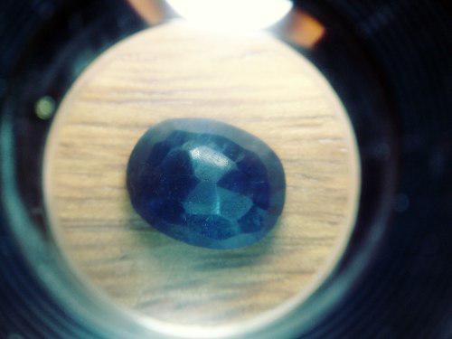 Piedra zafiro azul lechoso carbocho ct 9.50 n °10