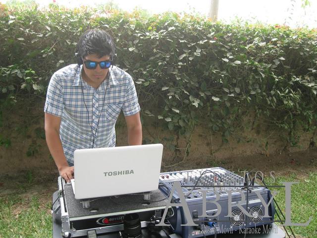 Alquiler de dj y luces profesionales para fiestas