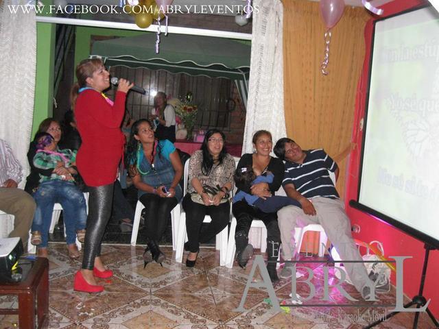 Alquiler de karaoke party, luces y dj, hora loca