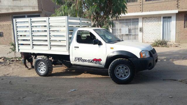 Camioneta 2007 nissan frontier petrolera 4x 4 baranda =