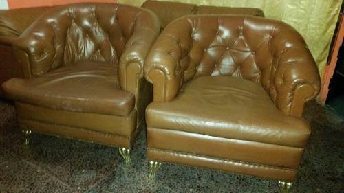 Muebles sofás butacas antiguas capitone de cuero original