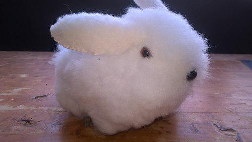 Pequeño peluche conejo alpaca artesania hecho a mano