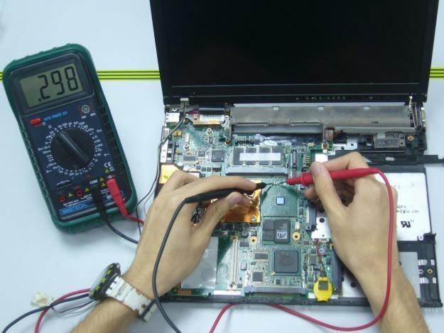 Servicio técnico en computación e informática.