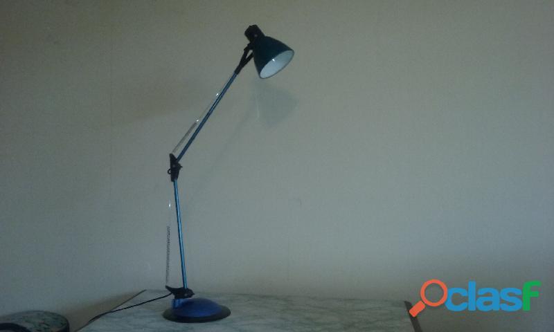 Vendo lampara para escritorio usada